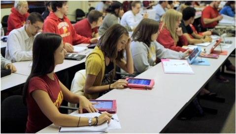 Apple%20-%20Education%20-%20iPad%20makes%20the%20perfect%20learning%20companion