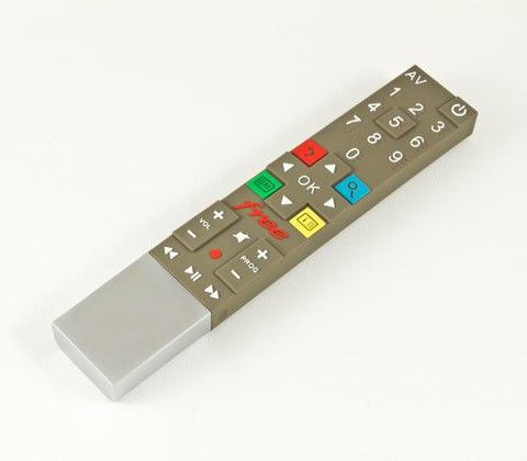 http://static.igen.fr/img/2010/12//c-est-toujours-mieux-que-la-telecommande-thomson-20110117-162446.jpg
