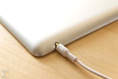 http://static.igen.fr/img/2011/2/201103161202_iPad-2-casque_sm_copie-20110318-145625.jpg