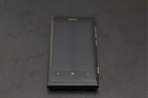 Nokia%20Lumia%20800%20084